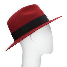 Červený klobúk z králičej srsti