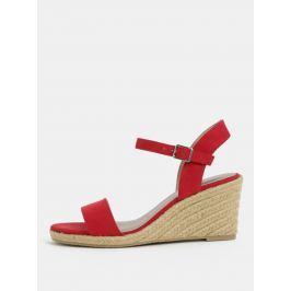 11e57fa8c12b Detail · Červené sandálky v semišovej úprave Tamaris