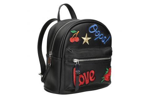 Čierny batoh s nášivkami