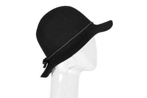 Dámsky klobúk s prešitím